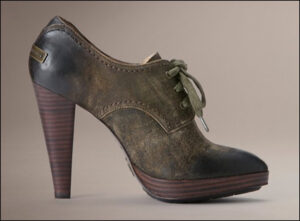 The Frye Company Harlow Oxford