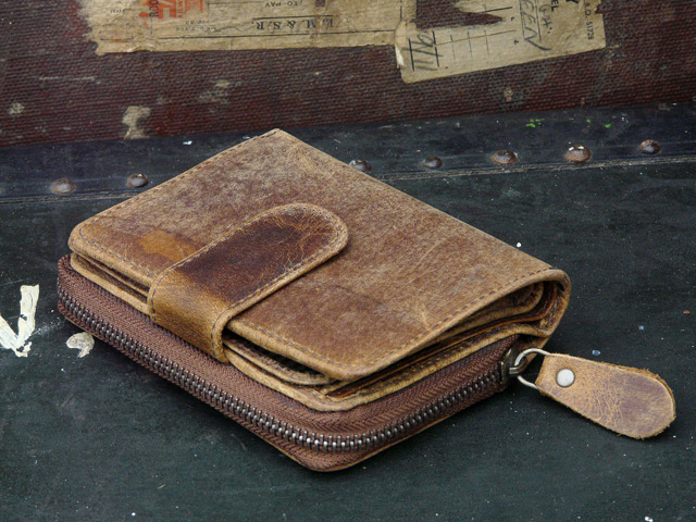 Brown Leather Purse 4 - Scaramanga Leather Satchels & Messenger Bags. Old Wooden Chests and Trunks
