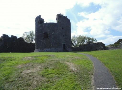 gatehouse-to-keep